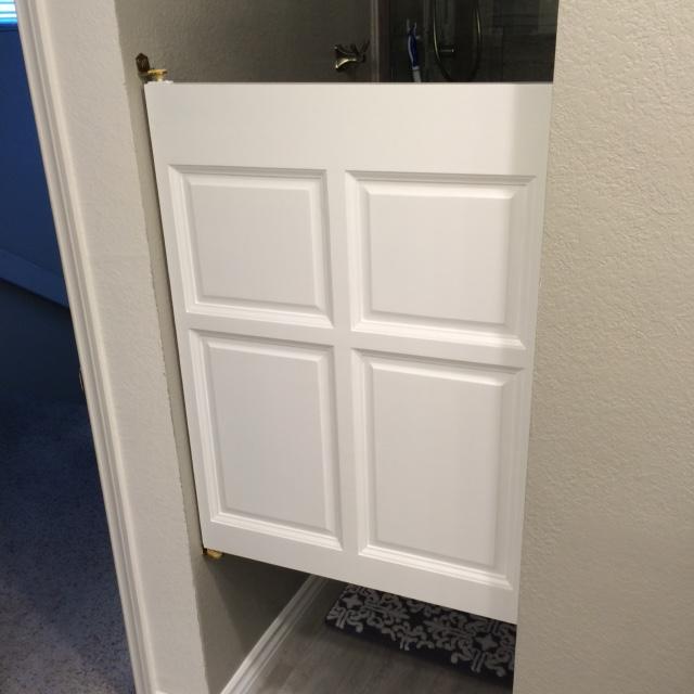 single-poplar-bathroom-door.jpg